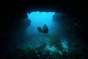 So Perth: Rottnest Island Diving: A Guide To The Island's Secret Caves & Caverns